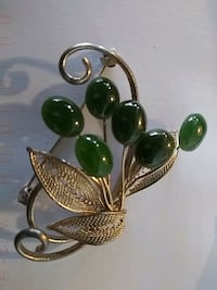 JADE COSTUME JEWELLERY BROACH Pickering, L1V 3V7