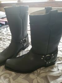 Men's boots - Pick up only Baltimore, 21206