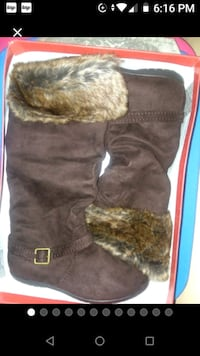 Brown Faux Suede & Fur Boots Size 9 Baltimore, 21230