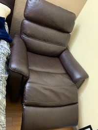 Electric recliner chair (moving sale)  Hayward, 94542