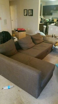 Free couch Fairfax, 22033