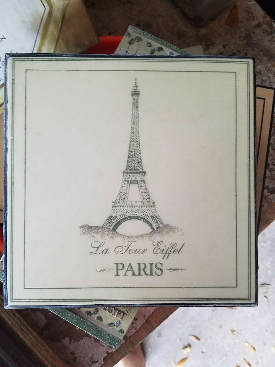 Small Eiffel Tower Wall Decor : Letgo small paris eiffel tower wall in gainesville fl