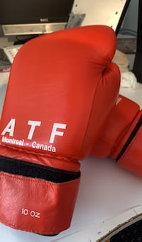 ATF sport boxing glovess Hampstead, H3X 4A6