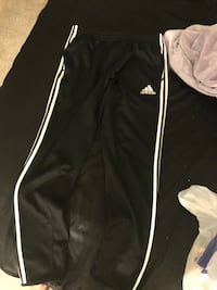 Adidas pants size m  Germantown, 20874