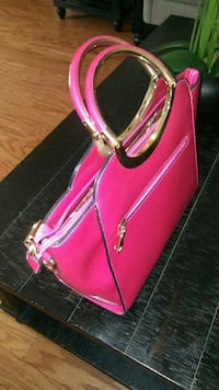 pink leather handbag Palmdale, 93550