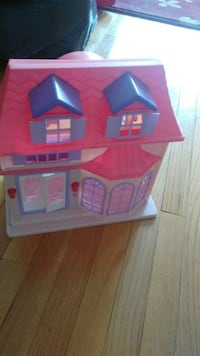 baby's pink and white plastic house toy Fairfax, 22030