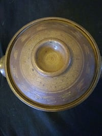 Pottery Pot with lid New Port Richey