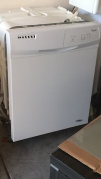 White whirlpool dishwasher.