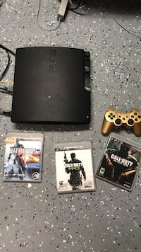 Playstation 3 with games and all accessories Chicago, 60630