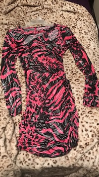 red and black leopard print long-sleeved scoop-neck mini dress