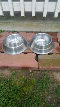 two stainless steel cooking pots Sacramento, 95817
