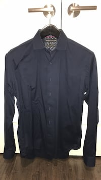 Report collection - Mens (m) 'slim fit' navy dress shirt Oakville, L6H 1R5