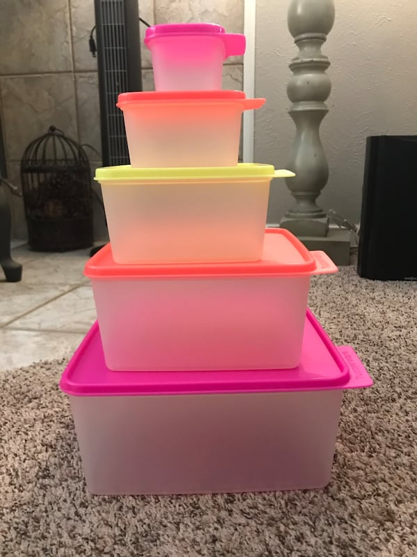 Set of 5 Tupperware containers with lids 3e5e041c-2c39-41c7-9316-b6eff344214f