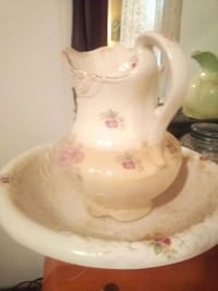 Antique water pitcher and basin Portsmouth, 23707