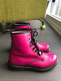 Doc or Dr. Martens airwair size 9 PINK Toronto, M5H 1Z5