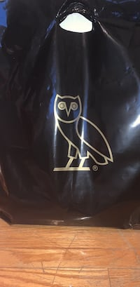 Ovo tracksuit. Size Large never worn located in Mississauga