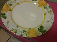 Set of dishes. 20 total pieces.  Hattiesburg, 39401