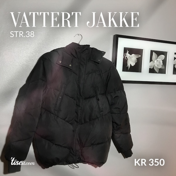 Svart zip-up jakke