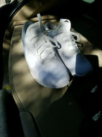 pair of white Nike low-top sneakers Oakland, 94605