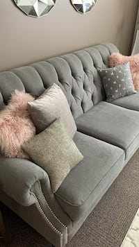 COMFORTABLE and ELEGANT Sofa Hamilton, L8S 0A2