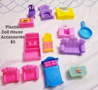 Plastic dollhouse accessories- $5