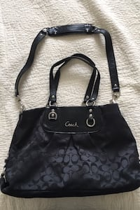 Coach purse from outlet Lakeshore, N0R 1A0
