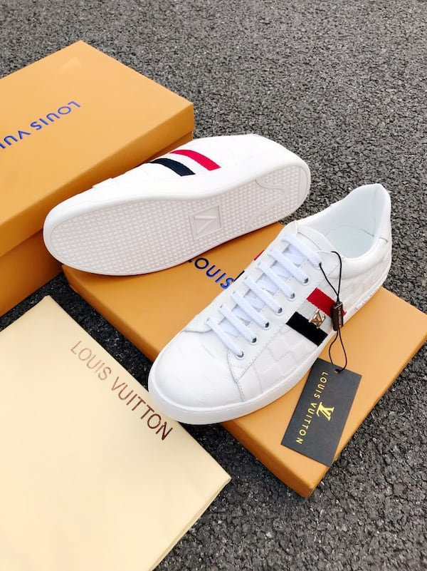 BY ORDER ONLY: Preowned Louis Vuitton Sneakers size 6-46 19cad9f4-a0b2-499c-9a64-01736b2d735a