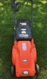Electric lawnmower. Works well just needs new blade Saskatoon, S7L 5V8