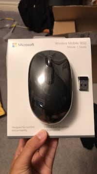 Microsoft wireless mouse brand new Markham, L3R 4R5