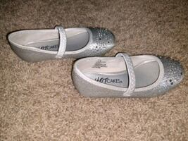 Hotcakes Girls toddler size 8 shoe