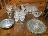 Clear cut glass punch bowl set. Real deal Sevierville, 37862