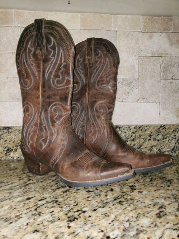 8e8257f34ad Ariat WOMEN'S Round Up Square Toe Western Boot.