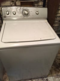 MAYTAG SUPER SIZE WASHER! RUNS PERFECT! Will deliver for fee!ITS WHITE ! IM IN MARRERO! Text me  [PHONE NUMBER HIDDEN]  Barataria, 70072