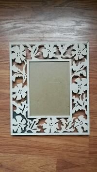 "White Flowers Picture Frame 5"" x 7"""
