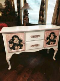 Gorgeous vintage queen Anne buffet shabby chic  Cedar Park, 78613