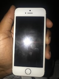 white iPod touch 5th gen null