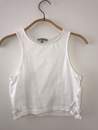 White scoop neck sleeveless top Coquitlam