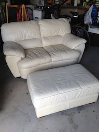 White leather love seat and ottoman  Barrie, L4N 0E8
