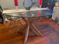 Pier1 dining room table Baltimore, 21224