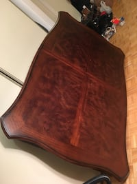 Wood 6 person dining table  560 km