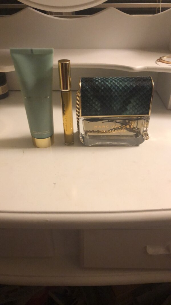 Marc Jacobs decadence gift set.