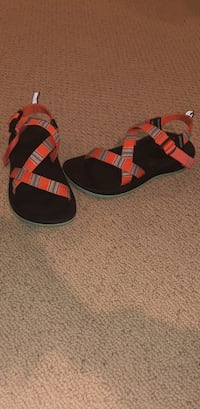 size 5 chacos