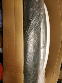 NEW BASKETBALL HOOP, EVERYTHING INCLUDED. Box is ripped but never used