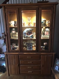Lighted broyhill cabinet  Winchester, 22603