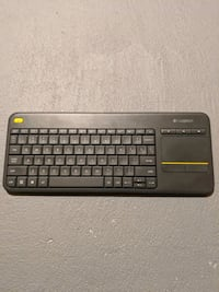 Logitech K400 wireless keyboard with USB dongle Vaughan, L4H 0H4