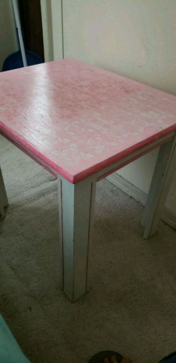 Pink princess  table