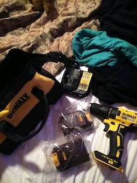 DeWalt drill driver 2 batteries and charger with bag