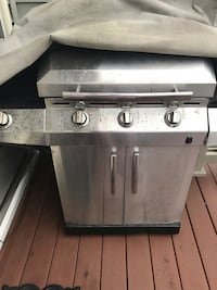stainless steel and black gas grill Stafford, 22554