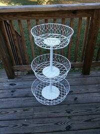 3 tier metal basket stand Stafford, 22554
