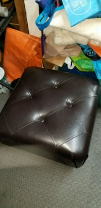 black leather padded sofa chair Chino Hills, 91709
